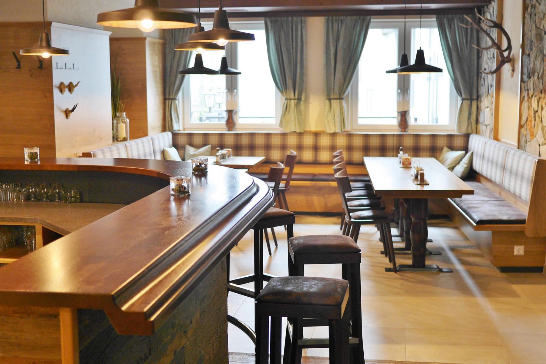 Gaststube_Bar_Landgasthof_Schiefer